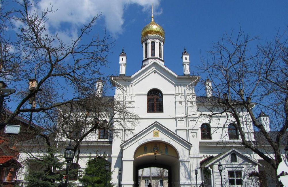 св ник монастырь3
