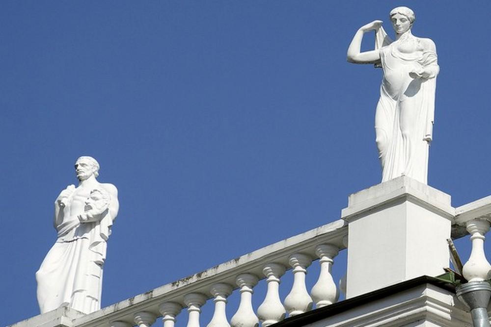 статуи 1