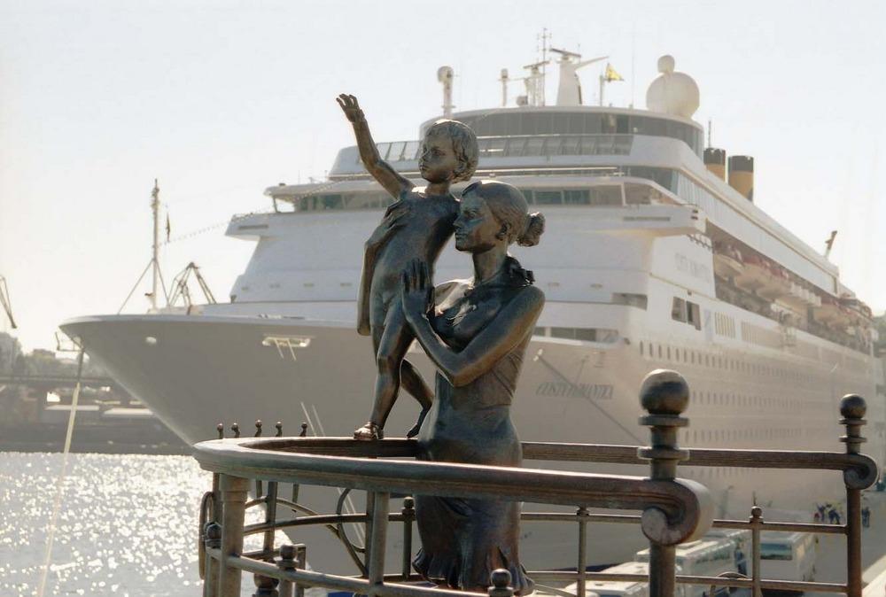 Одесса памятник жене моряка